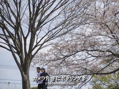 ジョギングするカップル